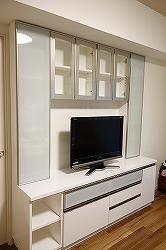 アルミフレーム扉仕様のテレビボード