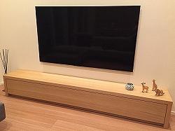リモコンを通す板のテレビボード