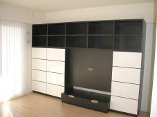 白と黒の壁面収納テレビボード