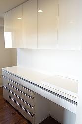 白鏡面のセパレート型食器棚251