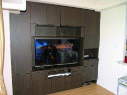 マンションの壁面収納テレビボード木目タイプ